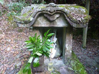 穂掛神社 にぎはやひの降臨した笠置山の麓 美しい渓流に聖地はあった_c0222861_18482768.jpg