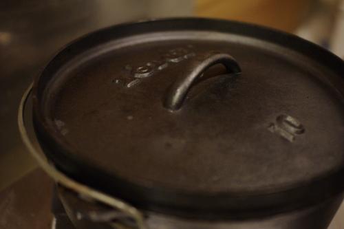 ダッチオーブンでローストチキン_c0110869_221589.jpg