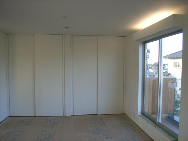 K邸ついに建具搬入・取付作業_b0186200_0333192.jpg
