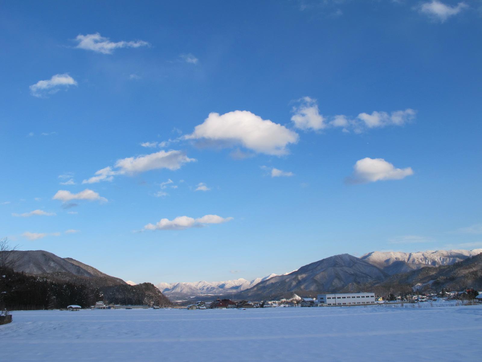 雪が降りやんだ朝は^^_b0152504_2154397.jpg
