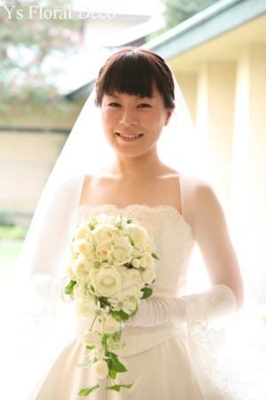 カップ咲きのバラのキャスケードブーケ_b0113510_0442410.jpg