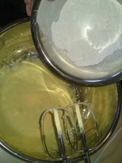 米粉のシュークリーム_d0154957_0192863.jpg