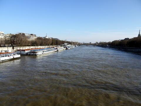 セーヌ川沿いをお散歩_c0090198_2394057.jpg