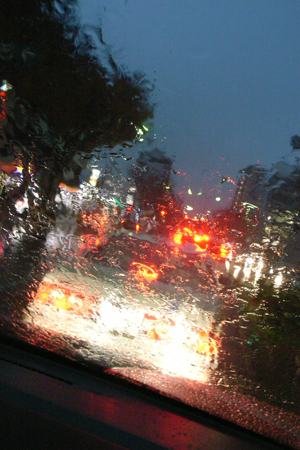 雨降りの信号待ち_a0097735_028688.jpg