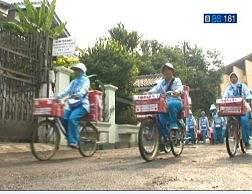 ヤクルトの容器を使ったインドネシア語の教材_a0054926_22183882.jpg