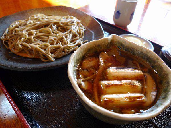 江戸っ子のように蕎麦を食う「手打ちそば 玄鹿(げんろく)」さん_d0108737_23323713.jpg