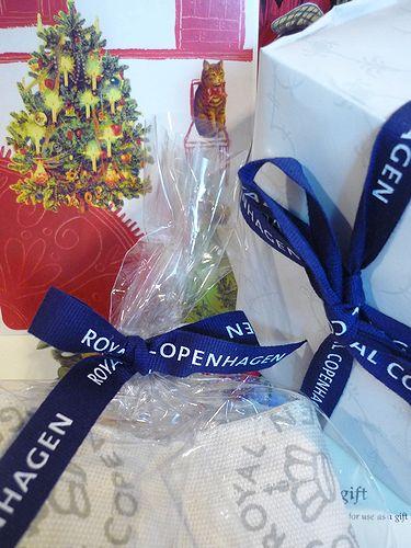 香織さんからの幸せ運ぶハッピーギフト。。。 クリスマスの贈り物。。。.☆*:.。.☆*†_a0053662_230543.jpg