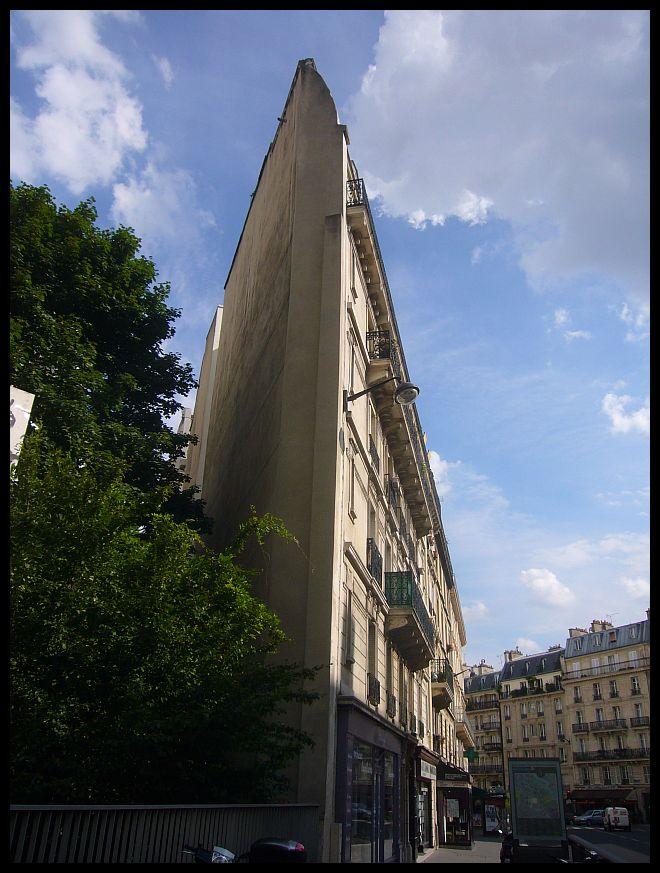 【パリ】街角の建物(PARIS)_a0008105_0164697.jpg