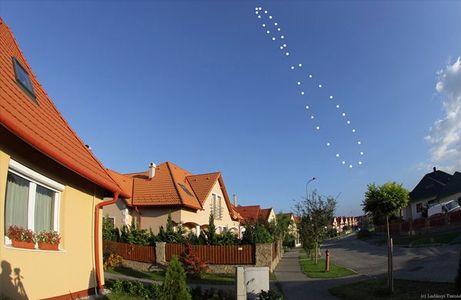 太陽が描く8の字軌跡_c0025115_2301066.jpg