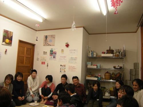 興奮した!アトリエMIWA忘年会2010!!くもり空、ウスマンの豪華ライヴつき〜_c0131063_12505839.jpg
