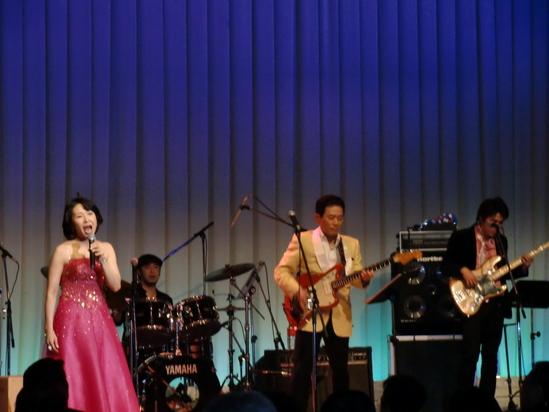 「ANAクラウンプラザ広島」ホテルにて、小島建興さま主催ディナーショー大成功_e0119092_1365861.jpg