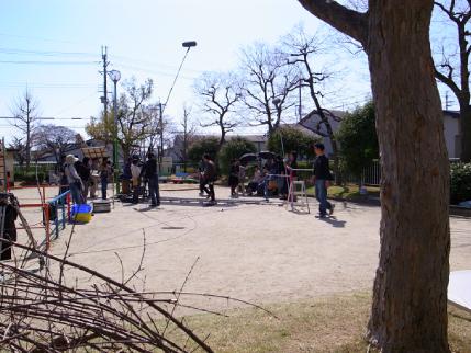 玉岡児童公園ものがたり後編・やがて芝生が青くなり祝祭が ー「公園のおじさん」岩根さんの軌跡_c0069903_833581.jpg