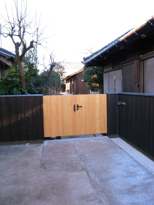 Sさんの家 車庫工事終了 2010/12/29_a0039934_17414772.jpg