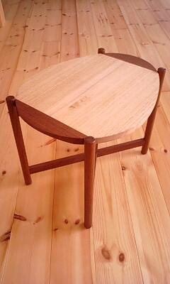 Pau Table_a0187214_18313382.jpg