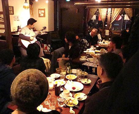 良かったですねぇ!南澤先生を囲んでの「ミニ・ライブ&忘年会」!_c0137404_1193418.jpg