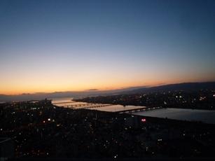 変貌する「大阪駅」と 「スカイビル」の展望台(空中庭園)_f0163730_123593.jpg