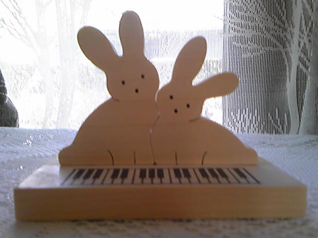 ピアノうさぎ組み木_d0165645_12562590.jpg