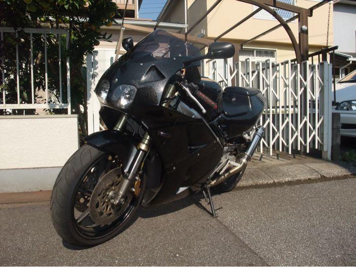30代のバイク達_a0179627_0163475.jpg