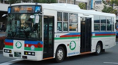 伊豆箱根バスの旧塗装復元車 +α_e0030537_23561923.jpg