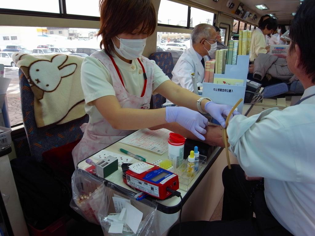 献血_f0138096_15473855.jpg