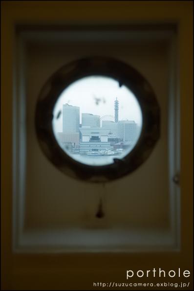 船窓のむこうに_f0100215_23264596.jpg