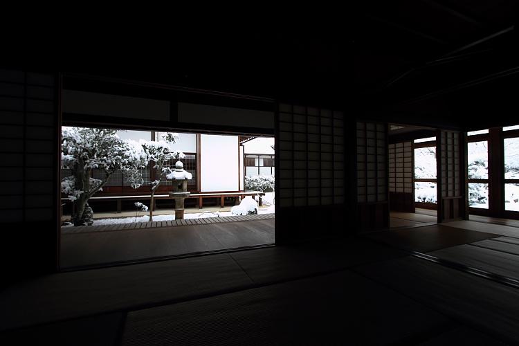 雪の源光庵_e0051888_6142632.jpg