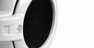iPod®、iPhone®、iPad®に向けたネックバンド方式のヘッドセットを発表_e0025035_921851.jpg
