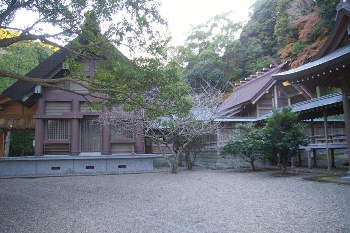 安房国一之宮・安房神社は清らかで威厳を備えていた_c0014967_1013943.jpg
