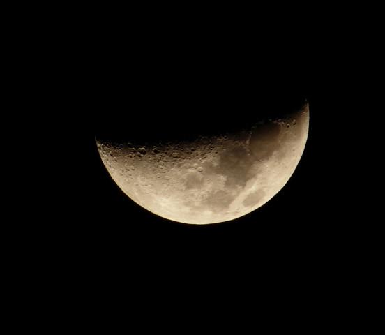 撮り直しの月!_b0160331_2147685.jpg