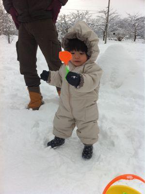 初めての雪遊び_f0114251_13393272.jpg