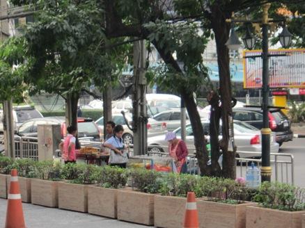 タイの屋台は半端じゃない_b0100062_234454100.jpg