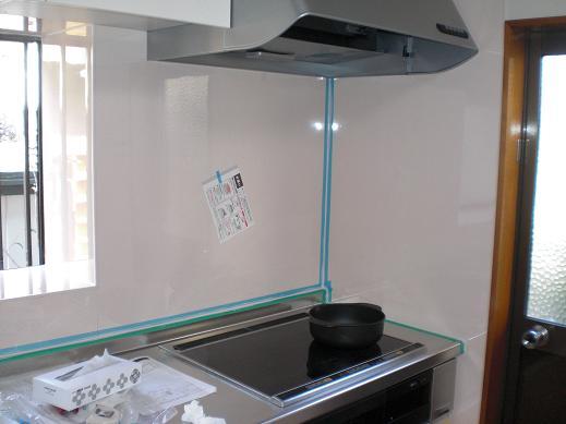 システムキッチンへ取替え ~ もうすぐ完成_d0165368_7384281.jpg