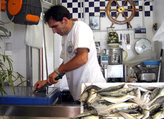 ガッリーポリ 1. 魚市場とグラニタと…_f0205783_14405352.jpg