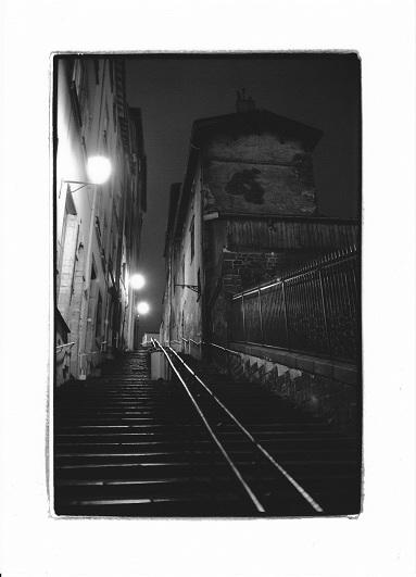 長い階段     Lyon_b0160190_1551767.jpg