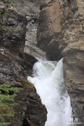 075 Johnston Canyon ~肝心なところはやっぱり雨~_c0211532_1820637.jpg