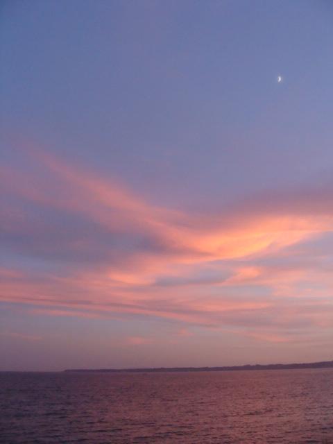 海の景色 昼間と夕方_a0195373_2221858.jpg