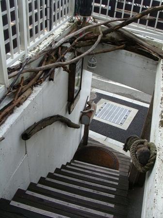 ロッシーズ 階段_a0195373_2329796.jpg