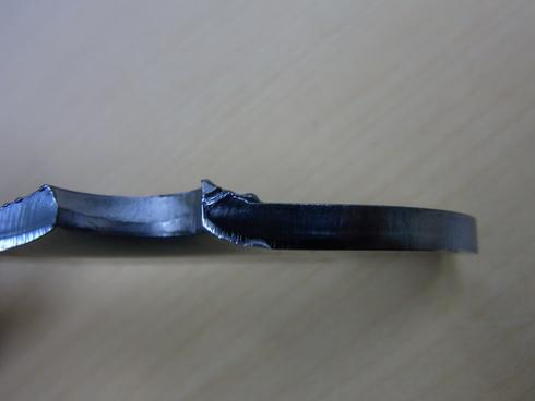 アンチスリップ鋼板のウォータージェット切断_d0085634_20592367.jpg