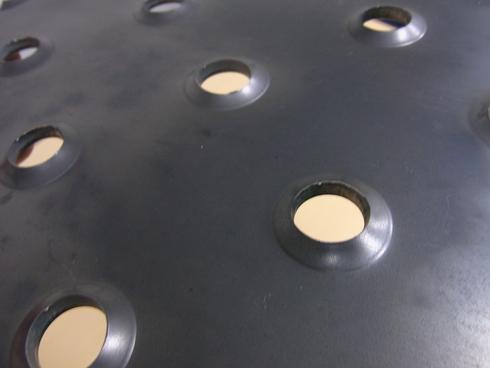アンチスリップ鋼板のウォータージェット切断_d0085634_20595916.jpg