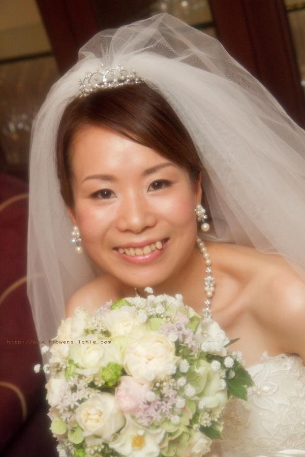 新郎新婦様からのメール シェ松尾青山サロン様の装花_a0042928_14133916.jpg