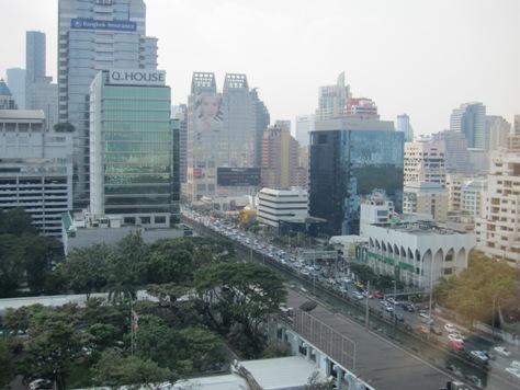 住めば都と言いますがバンコクは奥が深い_b0100062_23112492.jpg
