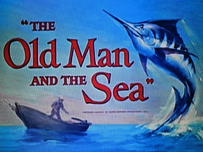 カジキと老人の戦い。サメとの戦い。海との戦い。少年との友情。特に少年がビ... 『老人と海』