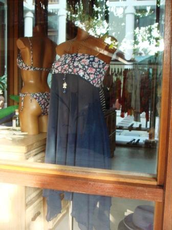 ビーチファッション_a0163160_232393.jpg