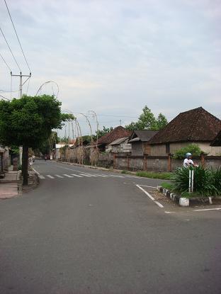 シドゥメン村までの道のり バイパス・クルンクン~サトリア地区 By pass Klungkung - Satria_a0120328_105950.jpg