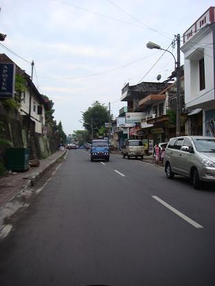 シドゥメン村までの道のり バイパス・クルンクン~サトリア地区 By pass Klungkung - Satria_a0120328_107343.jpg