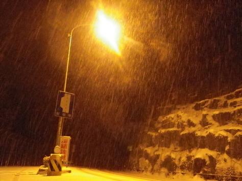 国道42号線に積もった雪を、久しぶりに見る_c0010936_23523382.jpg