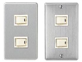 コンセント・スイッチの色:白以外の壁につける場合_d0017039_14165345.jpg