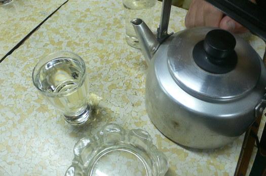 薬缶直燗「稲田酒店」の味わい。吟醸立ち呑みの燗酒_c0061686_1912434.jpg