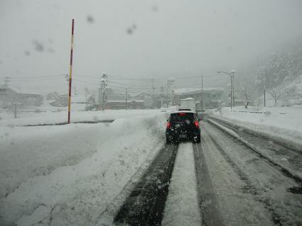 南魚沼市の雪_a0128408_23222251.jpg