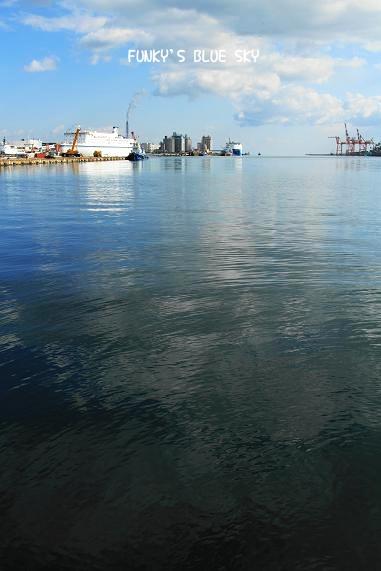 港の見える公園で♪_c0145250_1252637.jpg